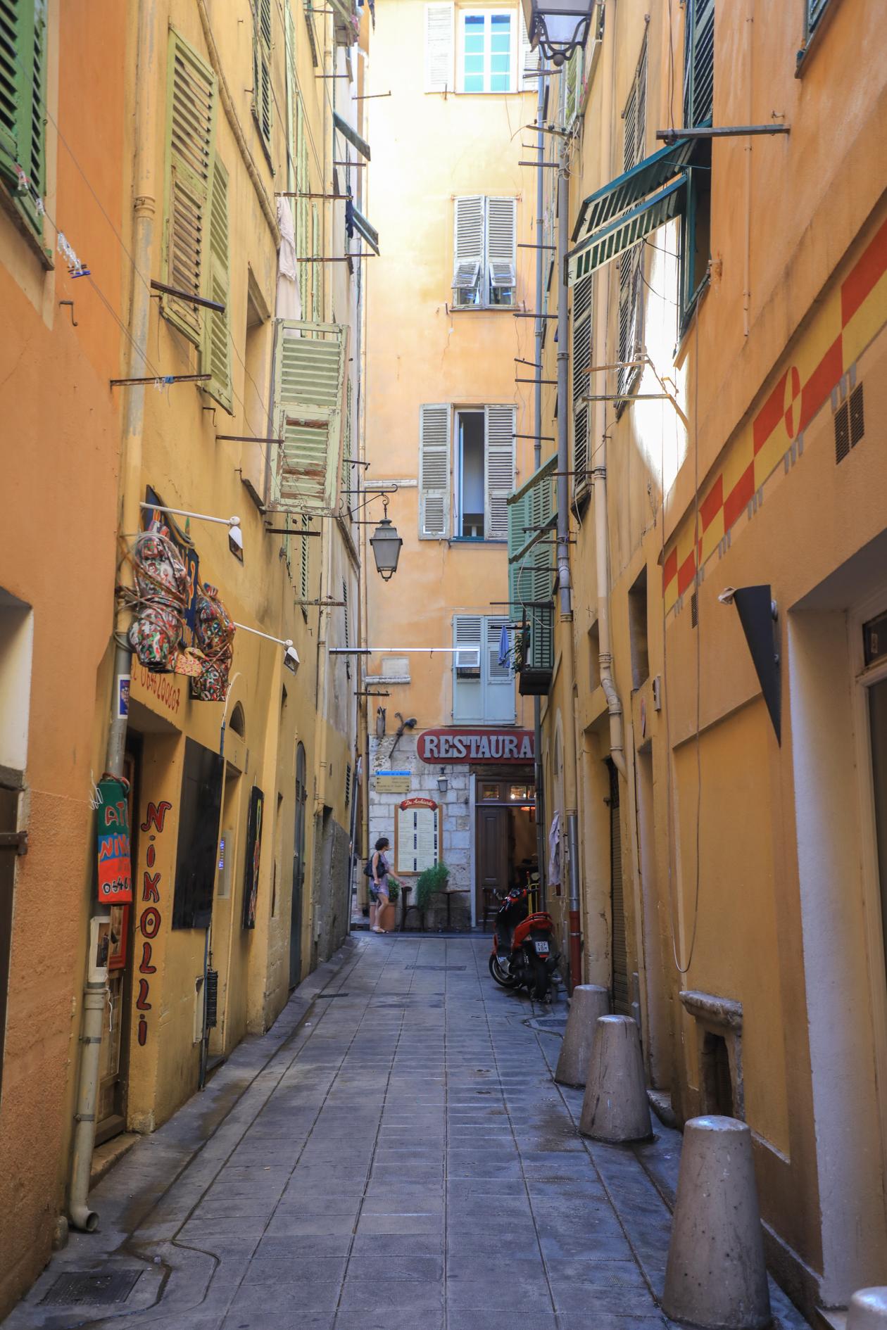 nice-oud-nice-smalle-straatjes