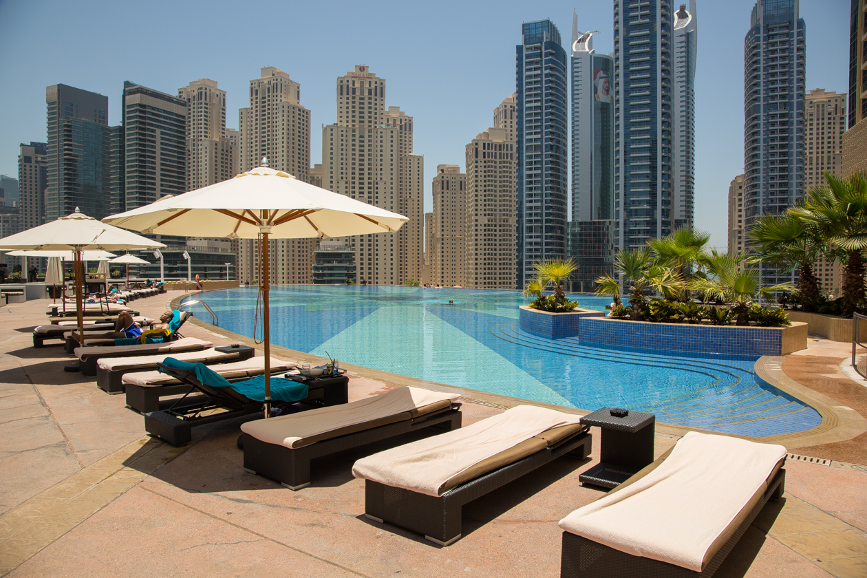 dubai-zwembad-the-address-hotel