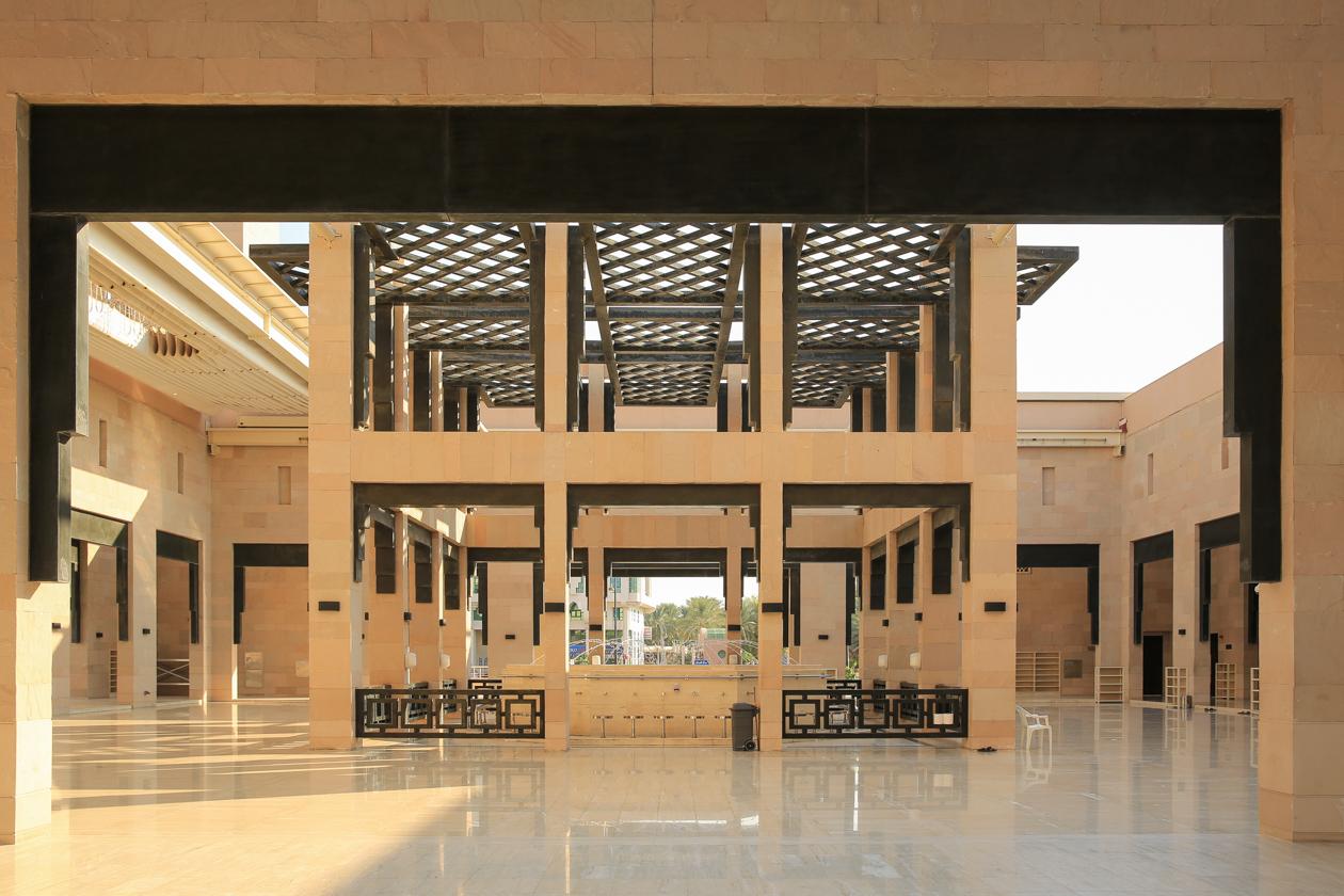 al-ain-binnenplein-moskee