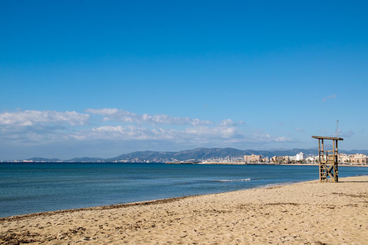 verlaten-strand