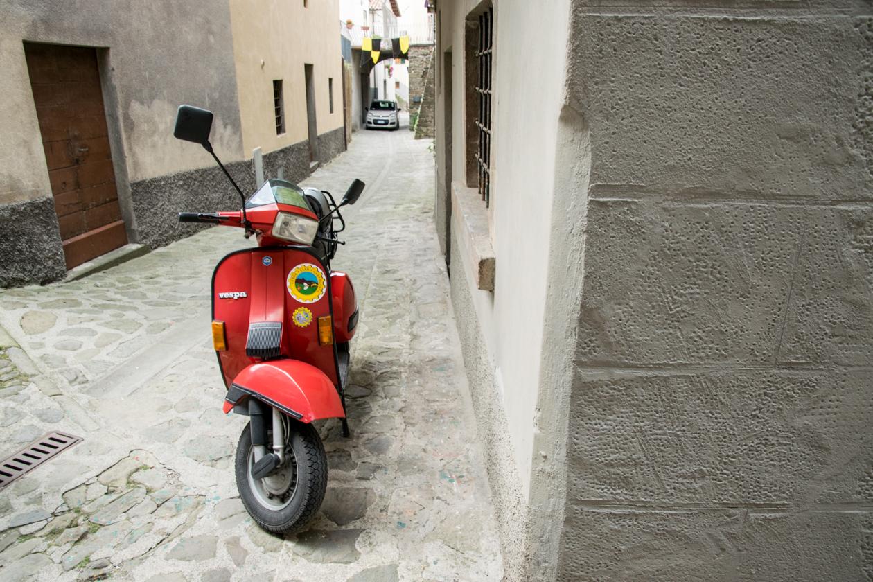 scooter-in-castiglione-del-franco