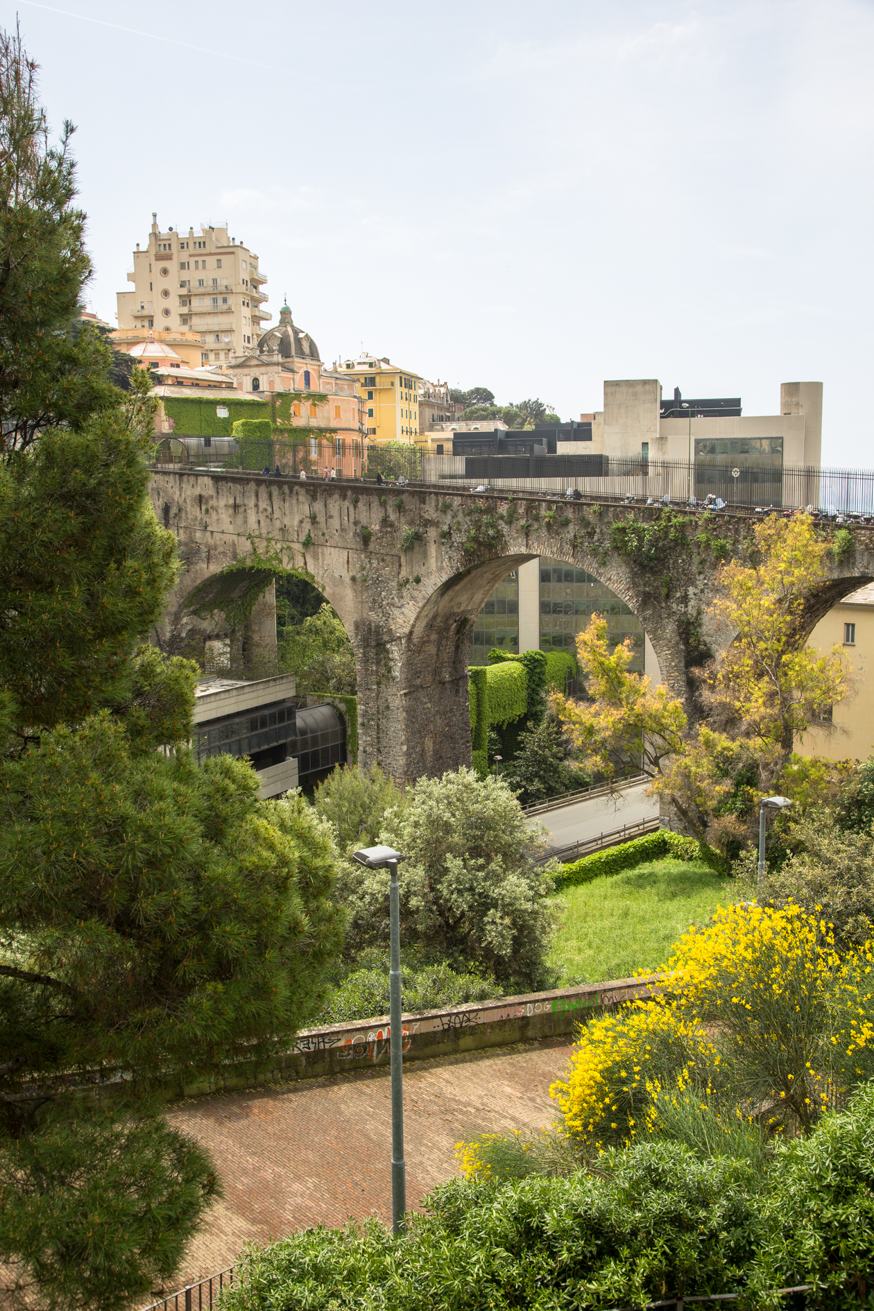 genua-viaduct-via-eugenia-ravasco
