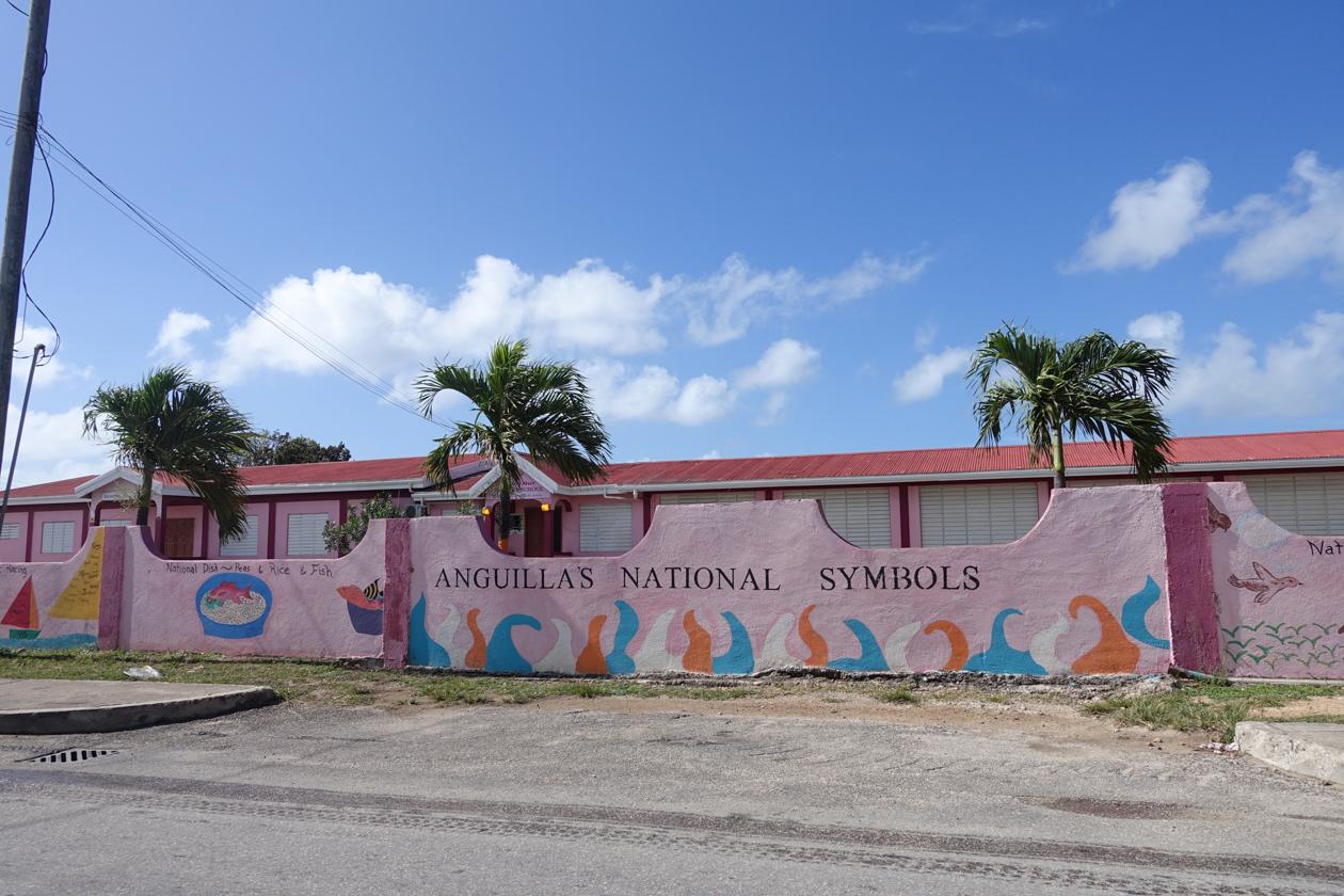 anguilla-muurschilderingen-op-muur-school