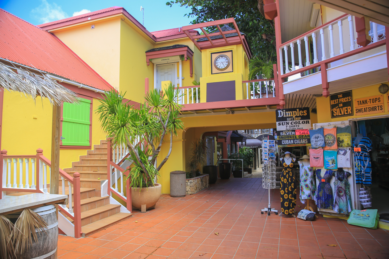 philipsburg-winkelcentrum-caribische-stijl