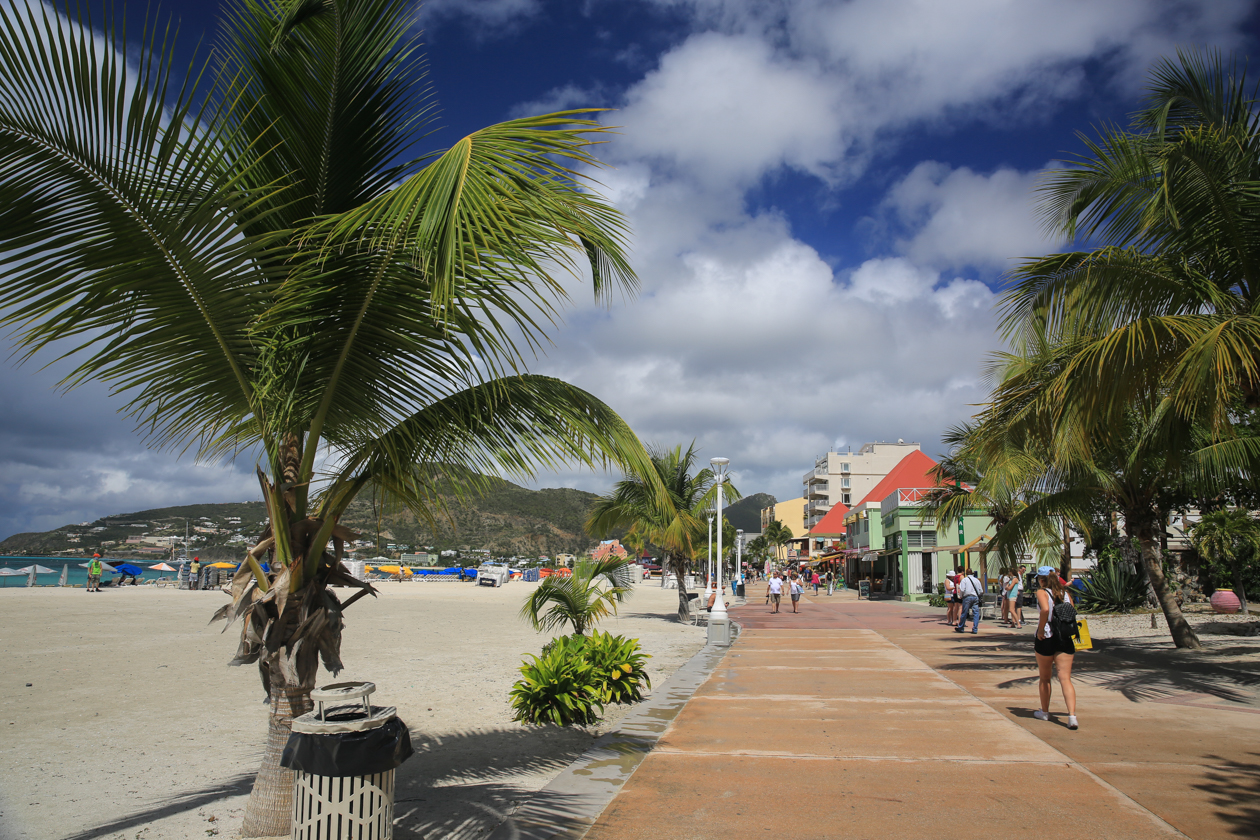 sintmaarten-boardwalk-in-philipsburg