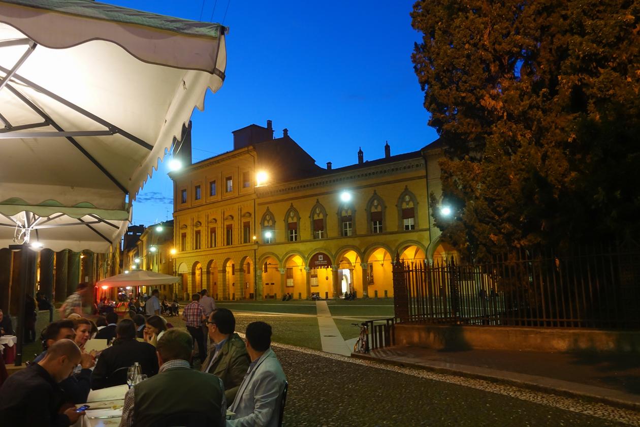 bologna-diner-piazza-san-stefano