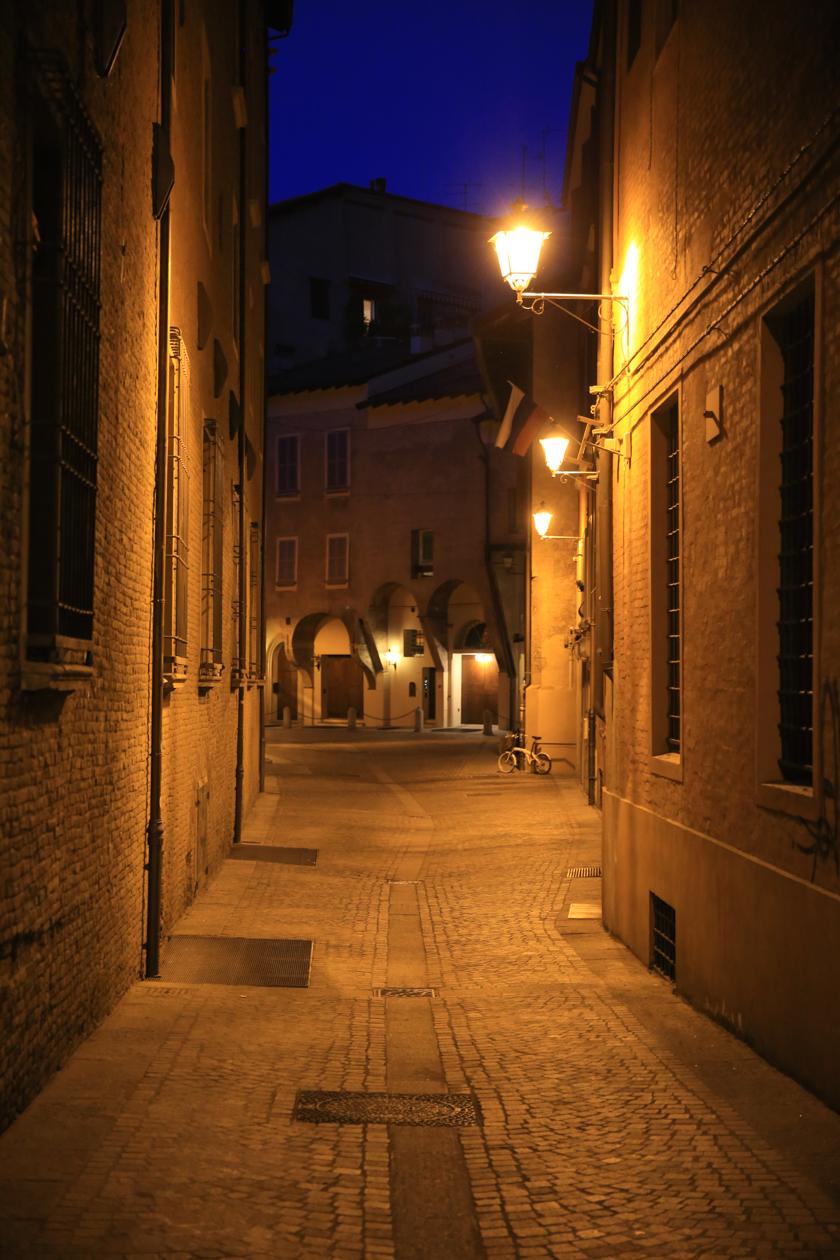 bologna-in-de-avond