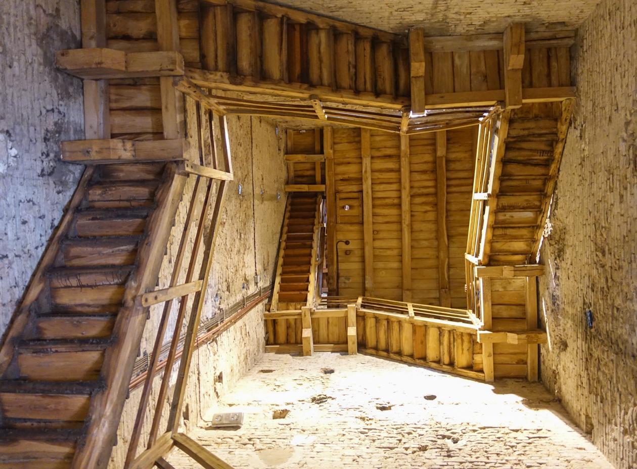 bologna-trappen-torre-asinelli