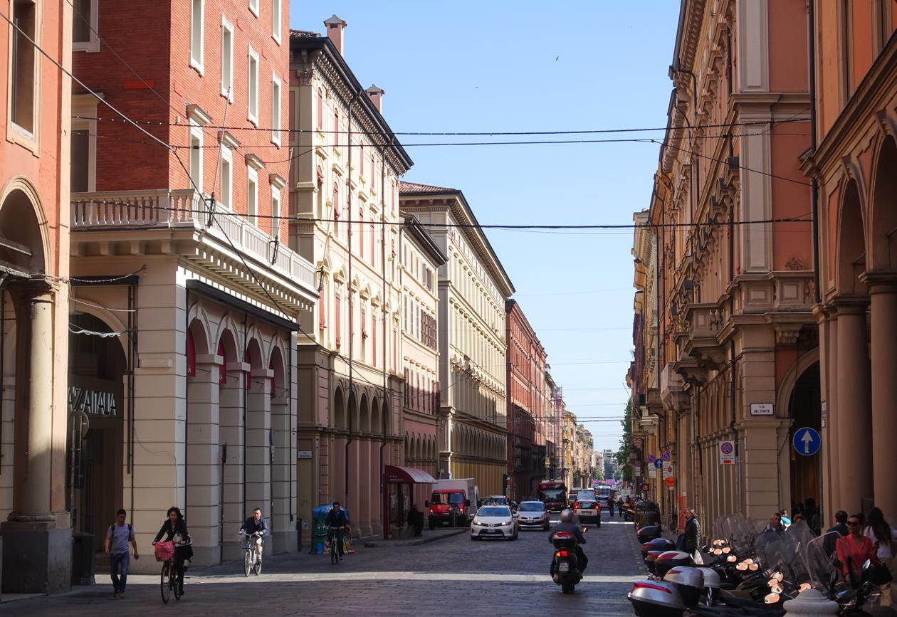 bologna-via-dell-indipenzia