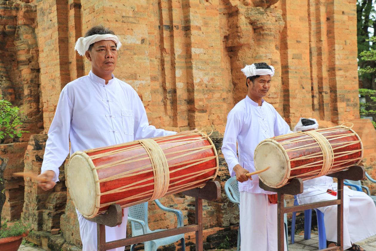 vietnam-muziekanten-bij-po-nagar