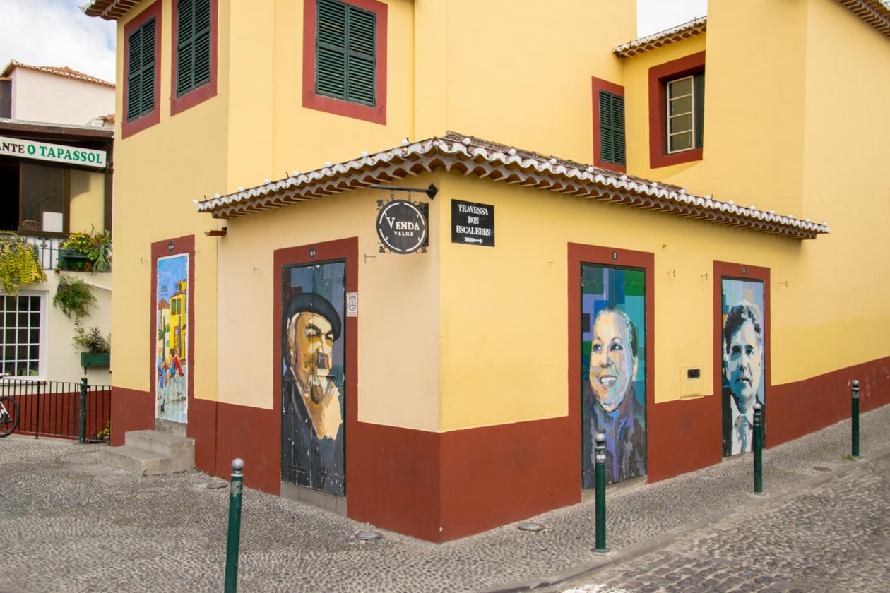 beschilderde-deuren-van-funchal