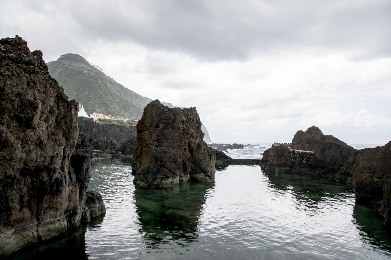 vulkanische-baden-van-porto-moniz