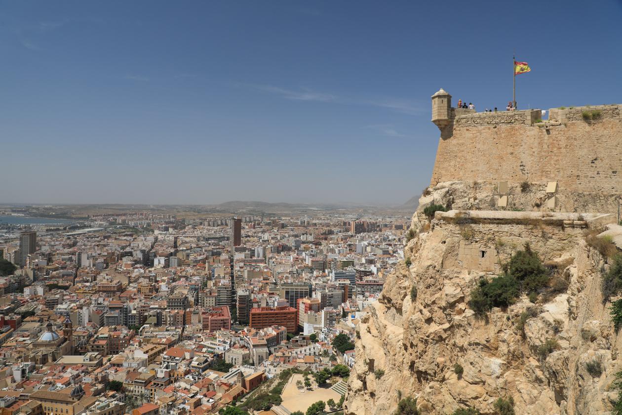 alicante-castell-de-la-santa-barbara-uitzicht-oost