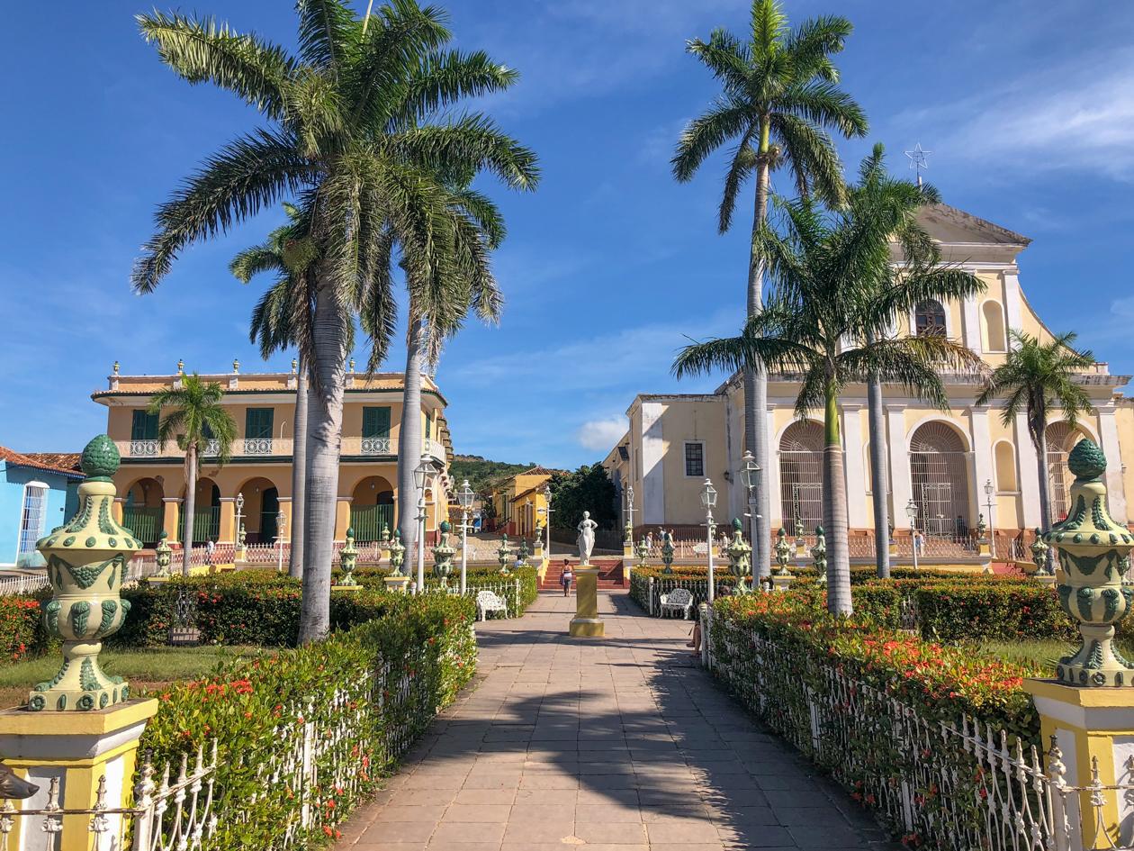 cuba-plaza-major-trinidad