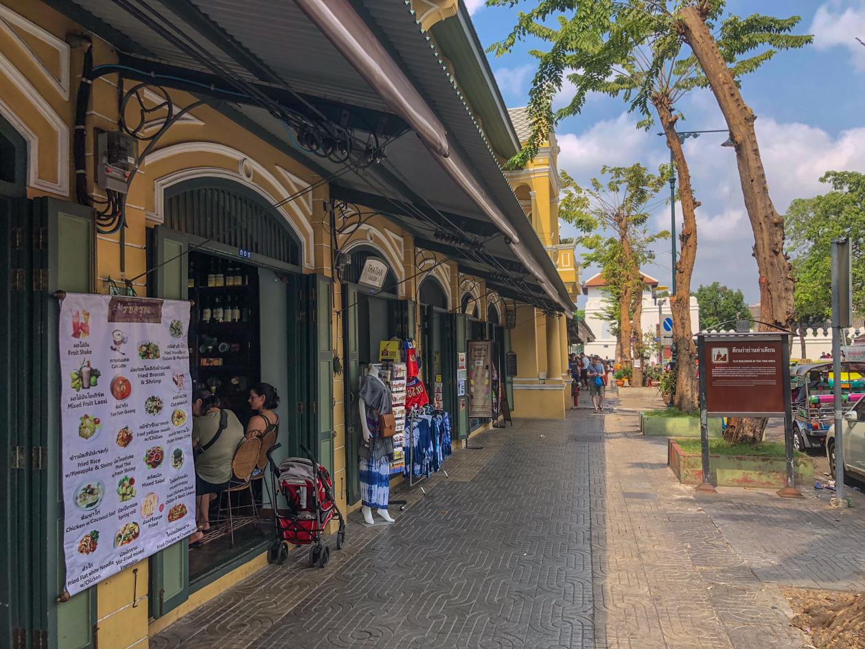 bangkok-tha-tian-area